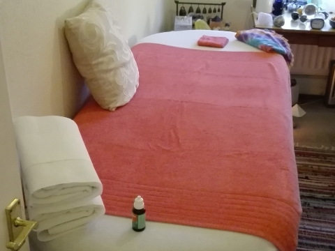 Male Tantric Massage - W2 - Experienced and Qualified Masseur and Healer