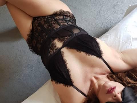 Full body massage by Zoe
