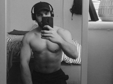 Male gay fit massage therapist central london